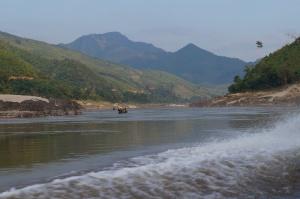 Navegando pelo Mekong