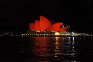 Opera House em vermelho: trazendo fortuna e sucesso para o ano do Macaco