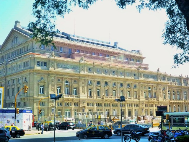 Lateral Teatro Colon