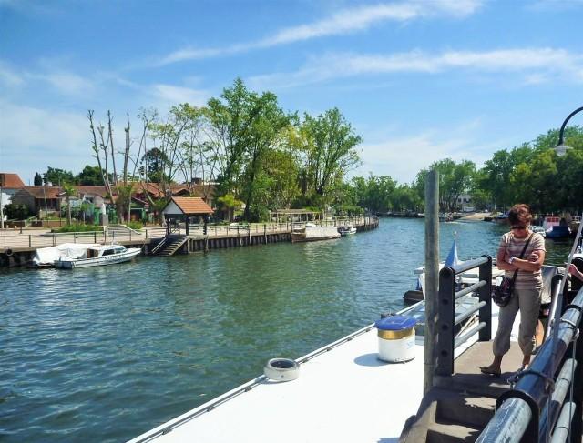 Passeio de barco pelo delta